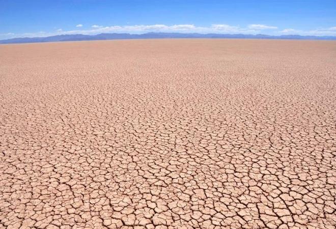 Bolivia-cambio-climático-lago-Poopó-EFE-La-Patria_th_6b083adb4891aae6afdad1aab8aa179a
